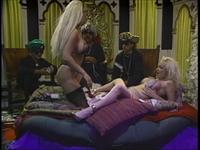 Blondes Scene 2