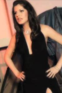 Isabella Leah